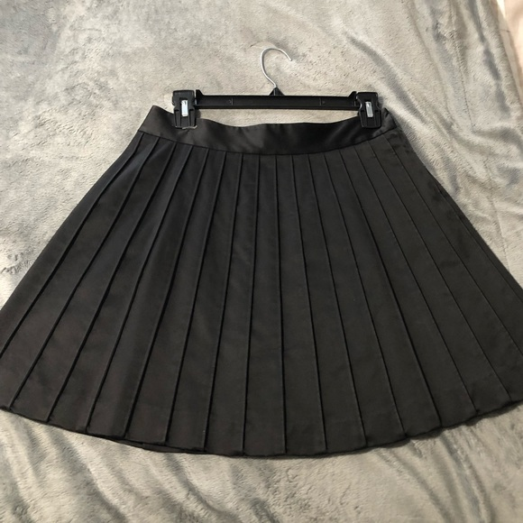 Club Monaco Dresses & Skirts - Club Monaco black pleated skirt